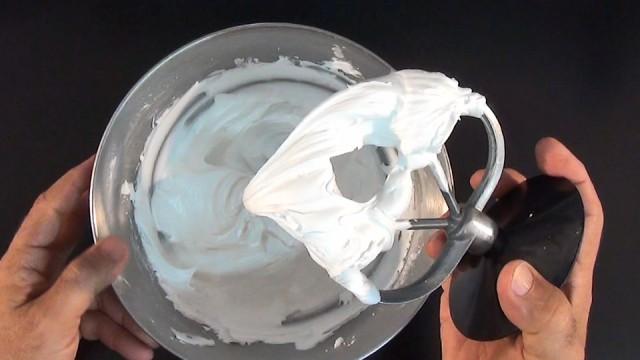 Royal Icing Recipe (Fresh Egg White)
