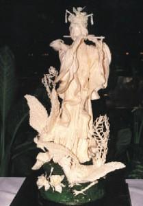 MOON LADY - Butter Sculpture - GOLD MEDAL
