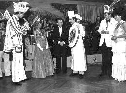 Presenting a sugar centrepiece to the Carnival Princess
