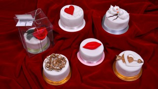 Valentines Mini Cakes