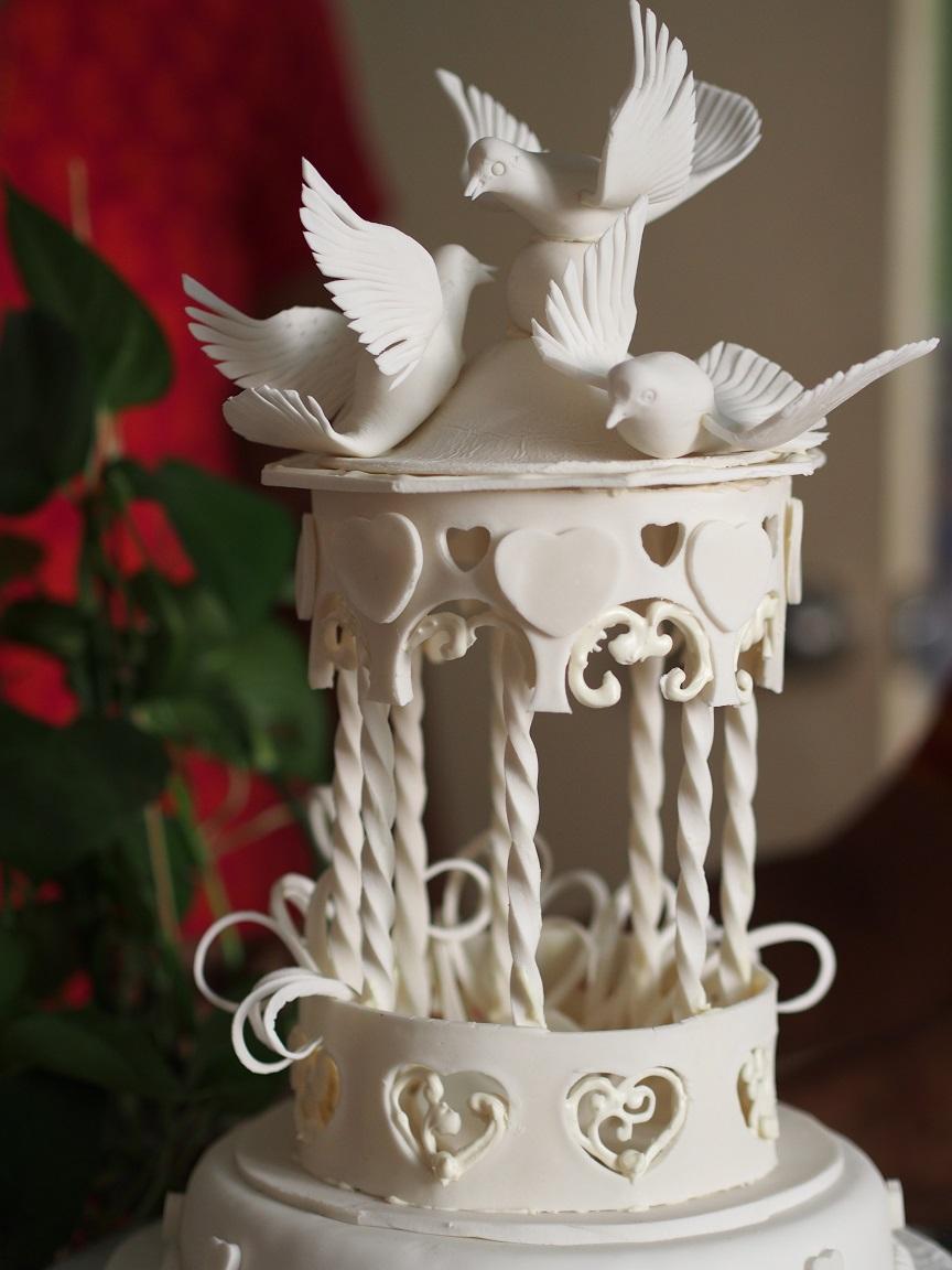 Gazebo And Doves Wedding Cake Yeners Way